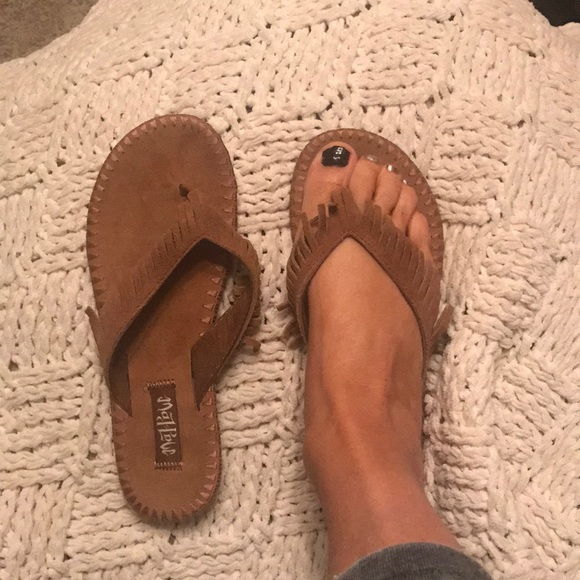 329eb8cc73fbd1 mad love Shoes - Suede Leather fringe sandals
